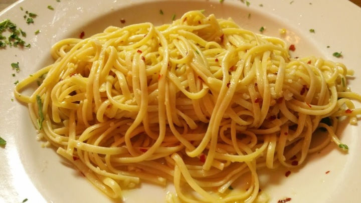 Linguini w Olive Oil, garlic and red pepper flakes