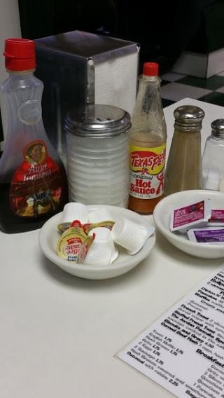 Diner Condiments