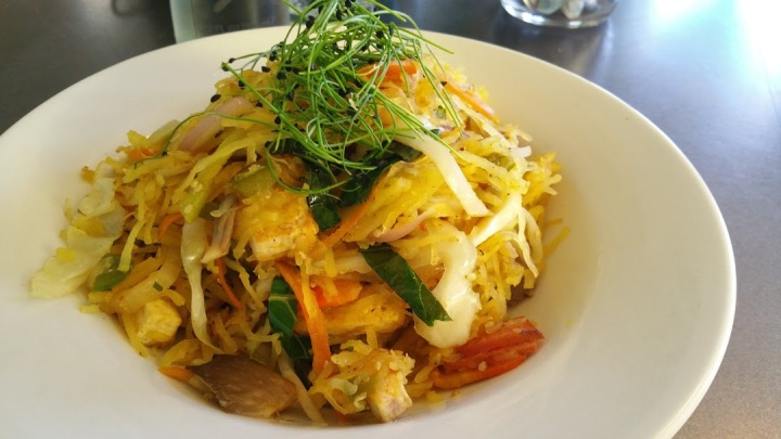 Spaghetti Squash with Mushrooms and Tufu stir fry